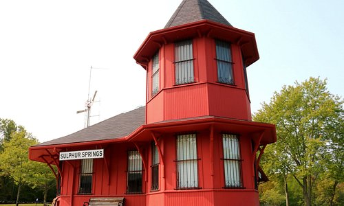 Dundas Train Station