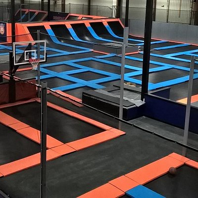 Our spring-loaded interconnected trampolines make the jumping experience at Helium a high-flying experience. Jump, flip, and tumble off trampolines on our decks and off of trampolines on our sidewalls.
