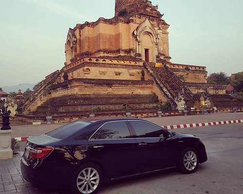 Chiang Mai Private Car with Driver Service by Richard at Wat Chedi Luang