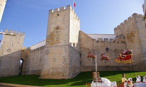 Les tours et remparts
