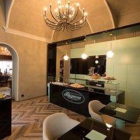 """La nostra """"Saletta Degustazione"""", dove abbinare un cremoso caffè ad un nostro unico Dronerese"""