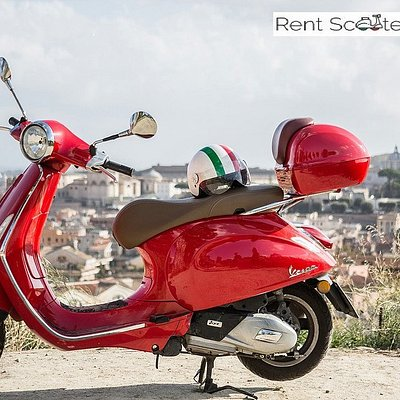 rent scooter Vespa Roma