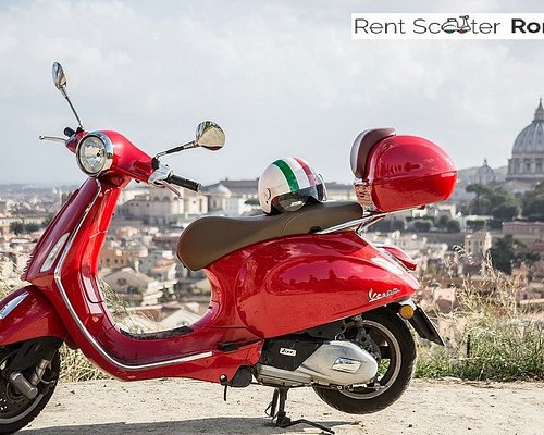 rent scooter Vespa Roma