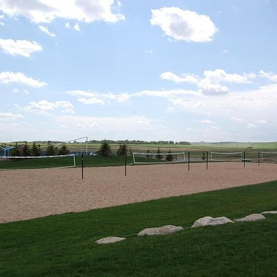 Outdoor Beach Volleyball - open courts