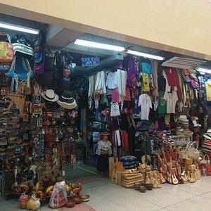 Centro Comercial Artesanal Machala