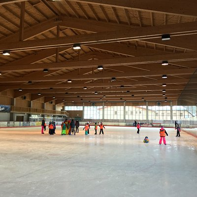 Midweek morning session at Berchtesgaden Ice RInk