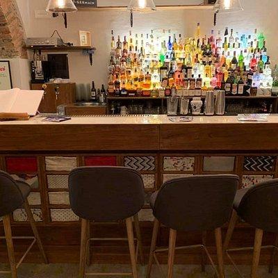 The Bar- La barra