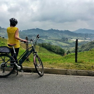 Take a deep breath and enjoy Santa Elena with our Ebikes