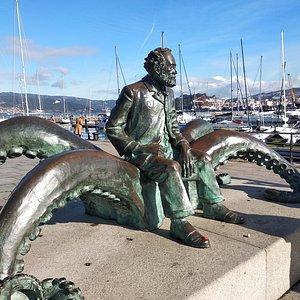 Julio Verne sobre los tentáculos del kraken