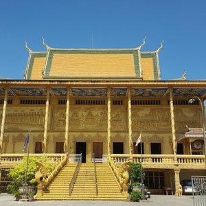 Watt Kean Kleang - Golden Temple, inside