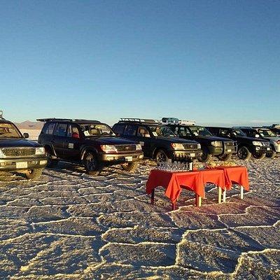 Visita uno de los lugares magicos de Bolivia el Salar de Uyuni, te presentamos nuestro servicio. Bolivia in your hands, Huanchacha tours Operadores de turismo ahora en Uyuni. Mayor información y reservas al WhatsApp +59176556762 gracias