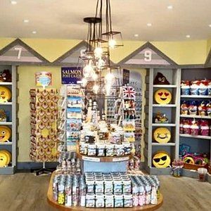 The Beach Hut .. Gifts .. Souvenirs .. Confectionary