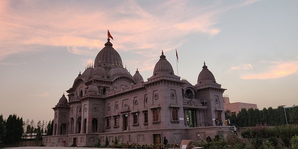 Side view of the temple in the evening.