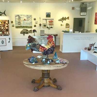We have a variety of beautifully handcrafted work from a number of local artists displayed so that you can enjoy your visit in a relaxed uncluttered atmosphere.