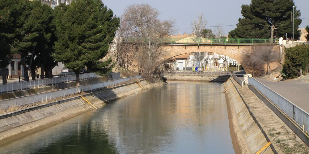 El Canal Imperial a su paso por Gallur