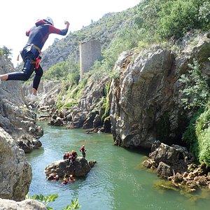Jolie sut au canyon du Diable. Situé près de St-Guilhem le Désert, il vous faudra compter 35 minutes de Montpellier.