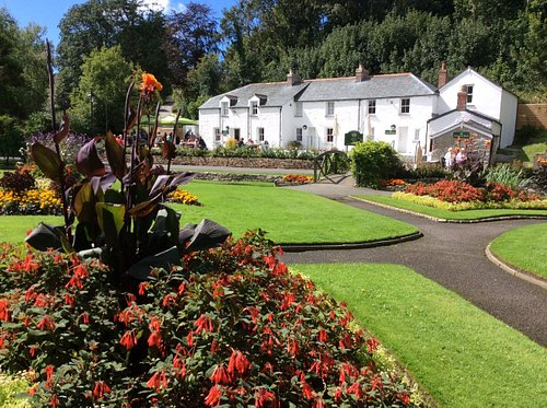 A view of Trenance Cottages from Trenance Gardens