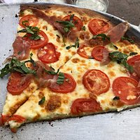 La Bandiera Italiana pizza slices