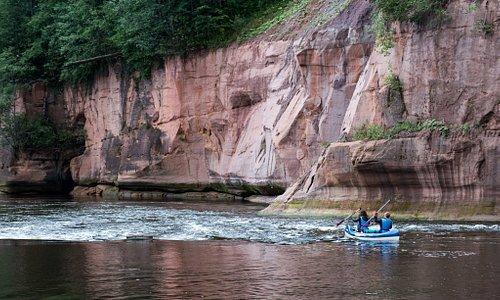 Gauja river coast - rocks!!