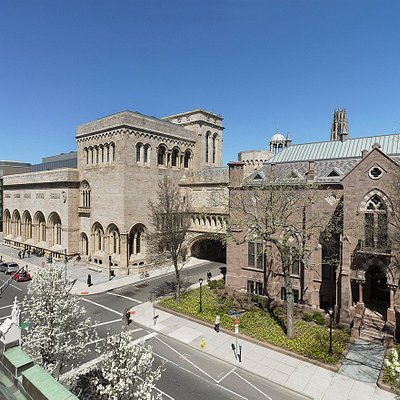 Yale University Art Gallery, with view of (left to right) the Louis Kahn building, Old Yale Art Gallery building, and Street Hall. Photo: Christopher Gardner