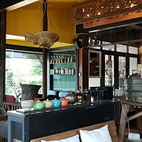 The Lao Cafe & Resort