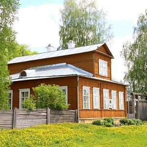 Дом-музей художников В.М. и А.М. Васнецовых