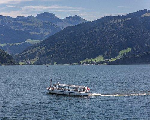 Der Sihlsee ist der grösste Stausee der Schweiz. Er dient vorwiegend dazu Bahnstrom für die SBB zu produzieren.