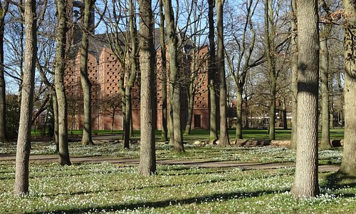 Kruiskerk Amstelveen uit 1953 van architect Marius Duintjer