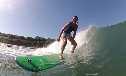 Surf classes with Vidasurf Ecotours