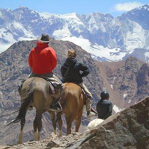 Cruce de Los Andes.  Cruzando el Portillo Argentino 4380 m.