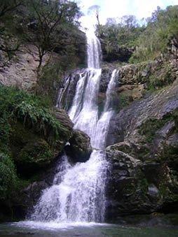 A bela cascata Rasga Diabo
