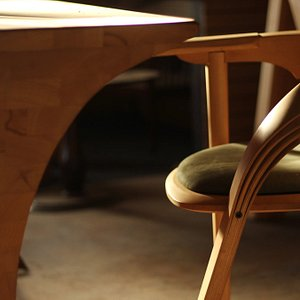 We offer our customers to design and manufacture custom-made furniture and unique spaces. We help you, as our client, to create your piece of furniture through dialogue, by transforming your ideas into wooden masterpieces.