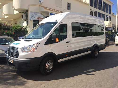 Minibus 17 seater