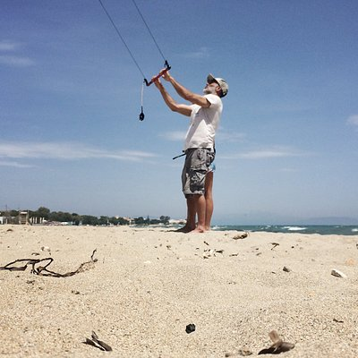 Right Stuff Surf Shop kitesurfing lessons
