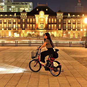Tokyo at night with E-bike