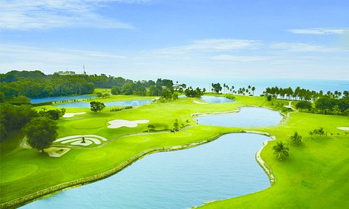 Situated in spectacular view of beautiful beach of Nongsa with Singapore skyscrapers in the background. This 27 Challenging holes golf course was designed by world known Larry Nelson and IMG (International Management Group ).