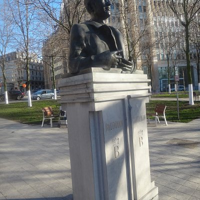 Bust of King Baudouin