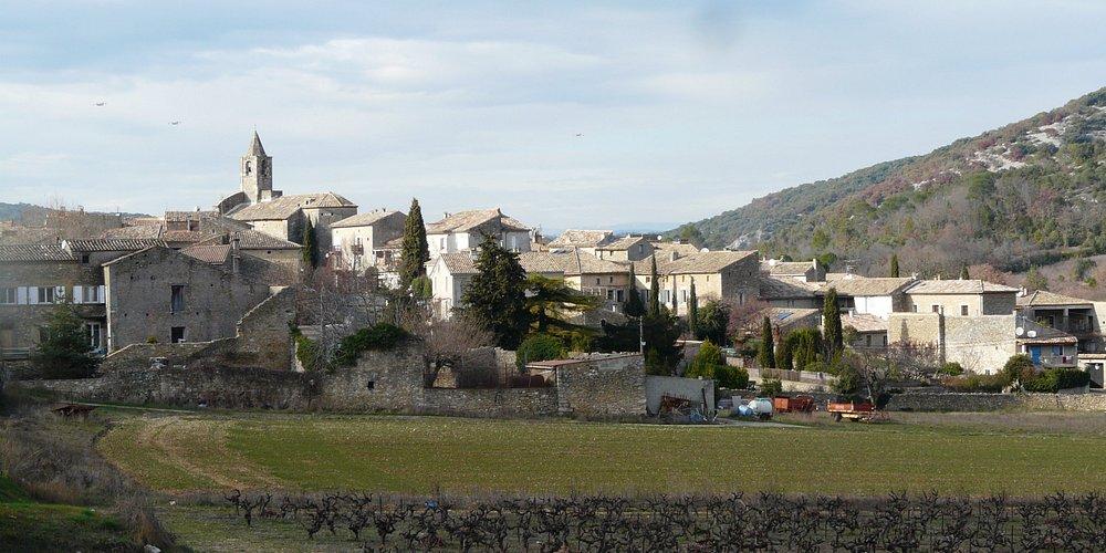 Le village de Saint-André de Roquepertuis