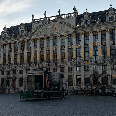 Maison des Ducs de Brabant, утро, февраль.