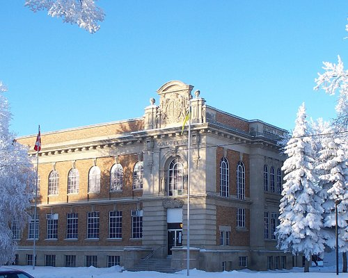 Court House is located at the very center of Humboldt