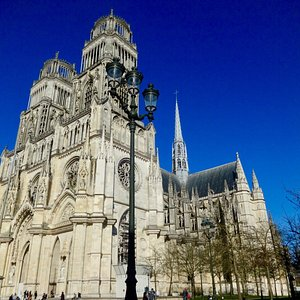beautiful cathedral in the heart of the city!