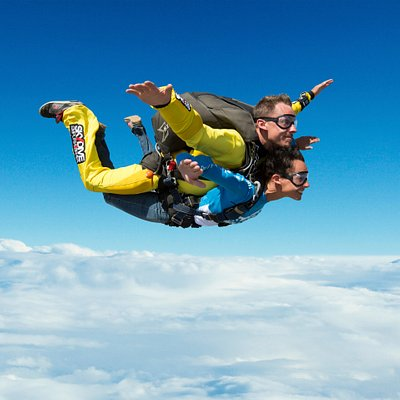 Tandem Skydive in The Land of the Sky, leading Drop Zone in Europe, with an extensive experience of more than 30 years and 2,5 million of jumps made.