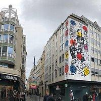 Fresque «Ceci n'est pas un graffiti» par VLP
