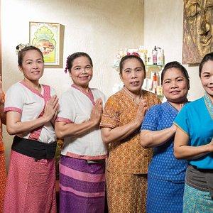 Тайский массаж или одна из наших изумительных SPA-программ, вы удивитесь, насколько быстро стресс и усталость исчезают, уступая место спокойствию и умиротворению.