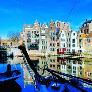 Historic Delfshaven in Rotterdam looks like a real fairy tale set😍  #historischdelfshaven #rotterdam #delfshaven #fairytale #magical #history #lovely #blue #placestovisit #hiddengem #holland