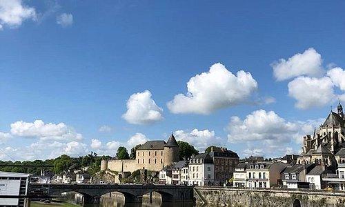 Ville Mayenne Chateau