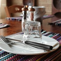 Traditional dinning with modern style.