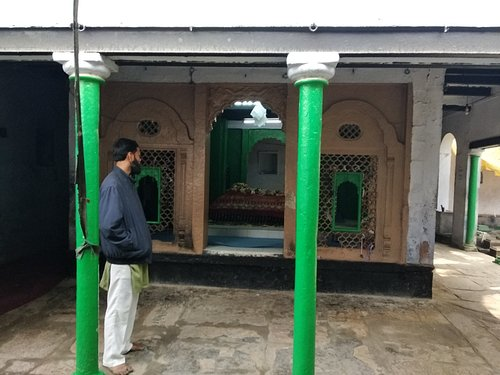 Nearby temples converted into masjids