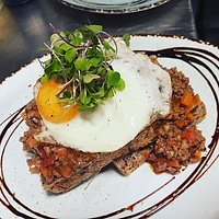 A Kiwi classic, savoury mince on toast with a lovely sunny fried egg