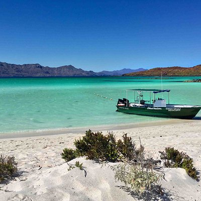 Loreto has an unique view: white sandy beaches, turquoise waters and mountains on the back!